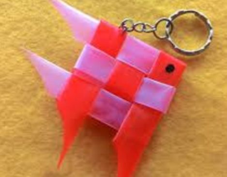 Keychains-hand foil from straw