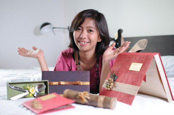 Successful Indonesian handicraft entrepreneurs #1 Dewi Tanjung Sari