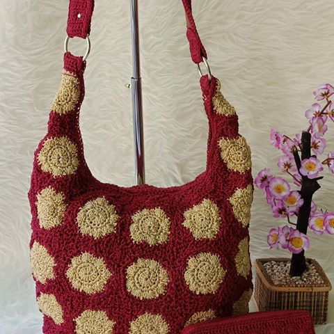 Inspiration knitting bag Adara knitted Roses 2