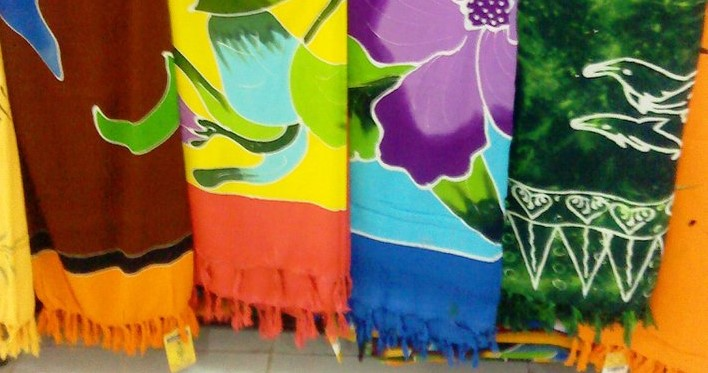 5 typical handicrafts Bali Bali fabrics