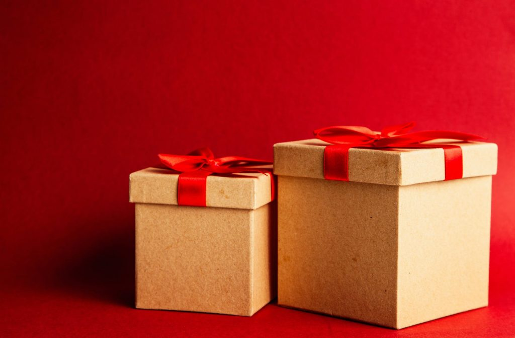 Crafts from cardboard-Box gifts
